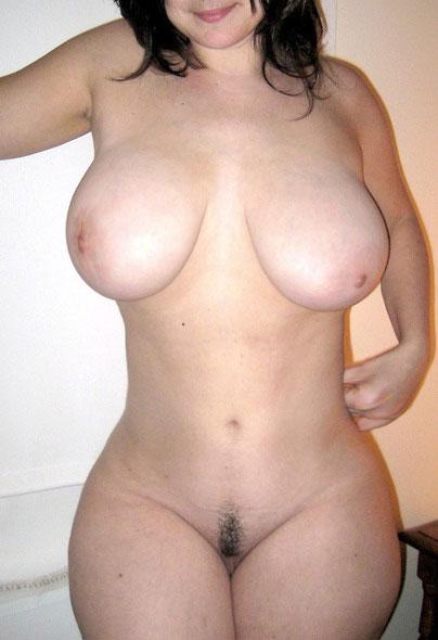 Femme mature offre son cul à un puceau
