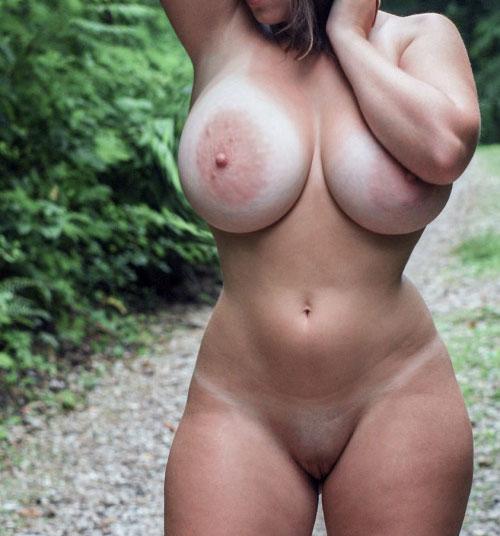 Maman gros seins pour plan sexe avec puceau