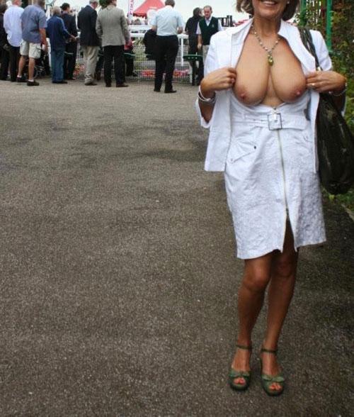 Femme mariée pour puceau à Saint Cloud