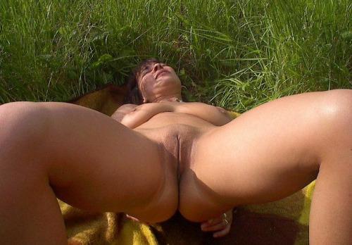 Femme mure souhaite s'amuser avec sexe de puceau