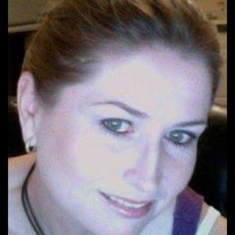 Femme de 33 ans cherche à sucer un puceau sur Auxerre