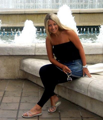 Femme de 33 ans en couple cherche puceau sur Lyon