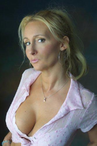 Clara belle femme mature cherche un puceau