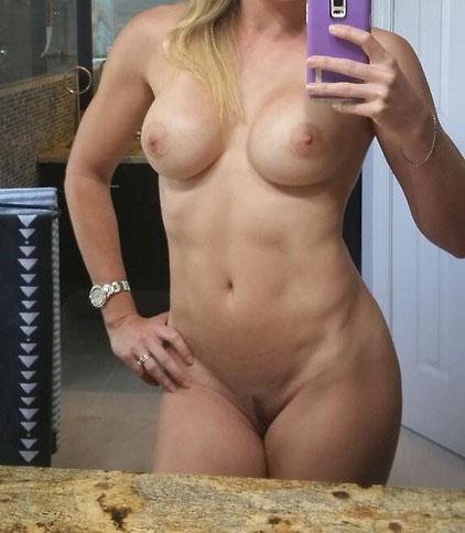 Femme à puceau