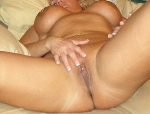 Cougar prete à coucher avec un puceau de Bordeaux