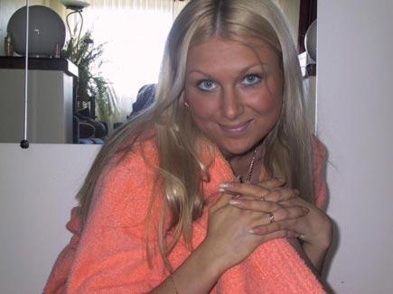 Femme la trentaine pour puceau sur Paris