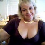 Femme mature pour une jeune puceau qui désire apprendre
